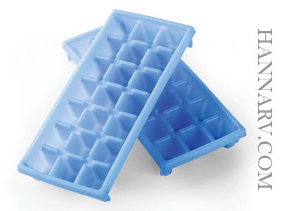 5Camco 44100 Set Of 2 Mini Ice Cube Trays